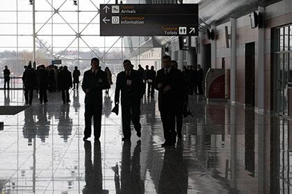 Украина запретила въезд мужчинам из РФ.
