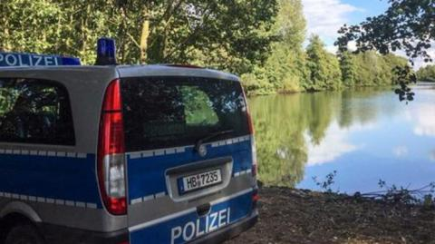 В Германии осушают озеро Титьензе. 35 миллионов тонн воды перекачают, чтобы раскрыть убийство 25-летней давности