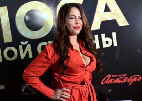 Порнозвезда Елена Беркова будет баллотироваться в президенты России