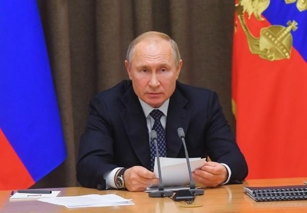 Путин снизил расходы бюджета на медицину, образование и социалку