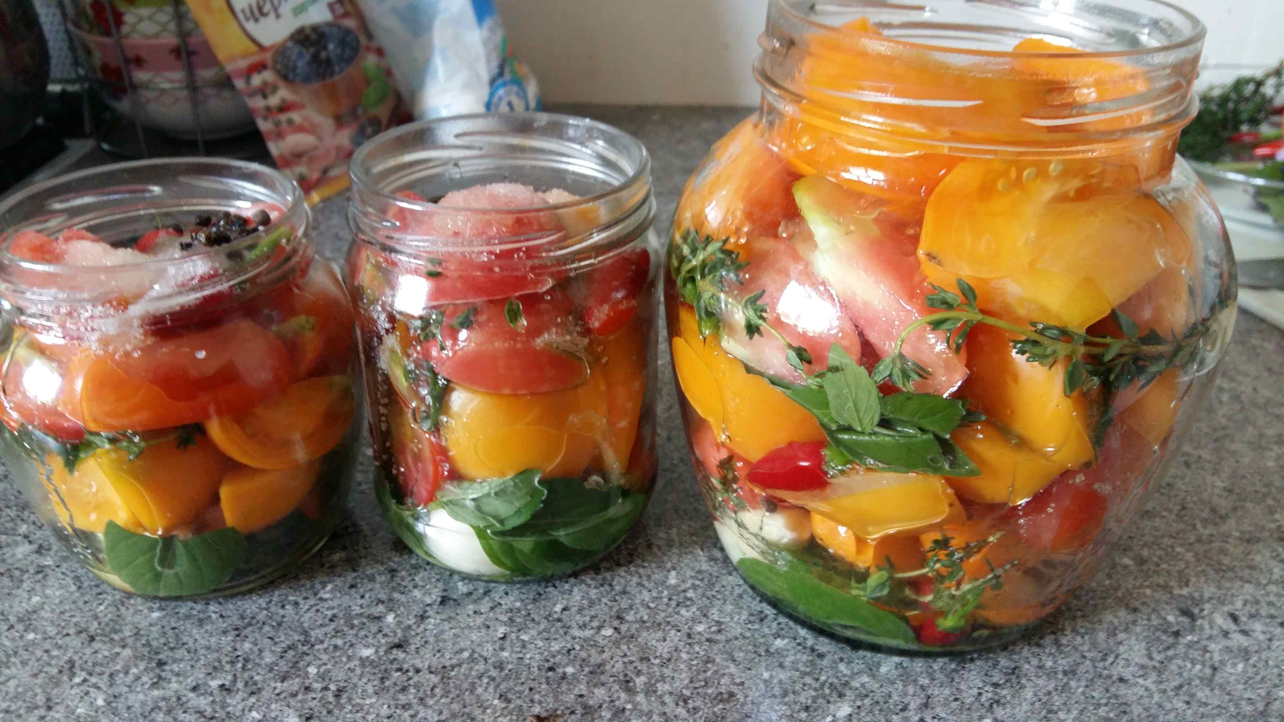 Как сделать салаты из огурцов и помидоры на зиму