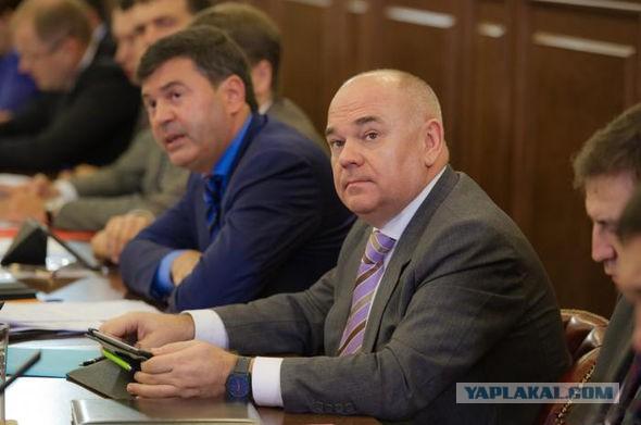 Глава московского департамента просит 9 миллионов
