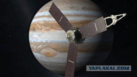 НАСА: Зонд Juno (Юнона) успешно вышел на орбиту Юпитера