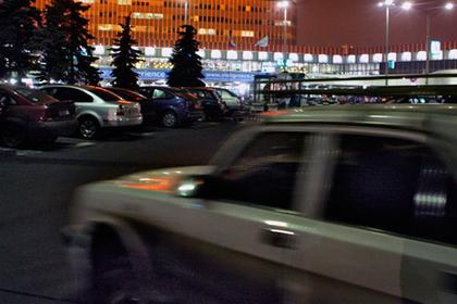 Московский таксист изнасиловал девушку и взял с нее деньги за проезд