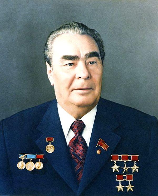 Брежнев Леонид Ильич - путь от сына рабочих до руководителя государства