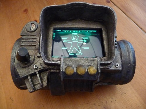 Пип-Бой 3000 из Fallout