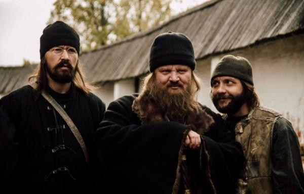 Монах и бес: не святые в русском лубке