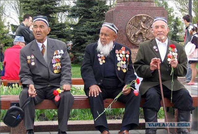 """Таджикистан отказался от """"Бессмертного полка"""" из-за несоответствия исламским ценностям"""