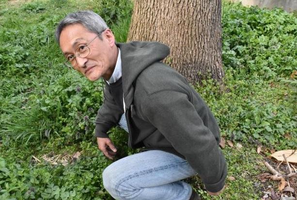 Эко-философ Идзава Масана, который 45 лет какает только на природе, грозит начать «войну экскрементов» в суде, если его арестуют