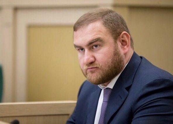 Сенатора Рауфа Арашукова задержали прямо во время заседания Совета Федерации