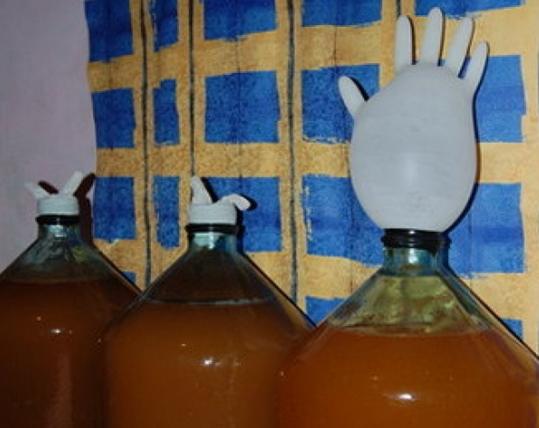 У жителя чувашского села изъяли более тонны браги.