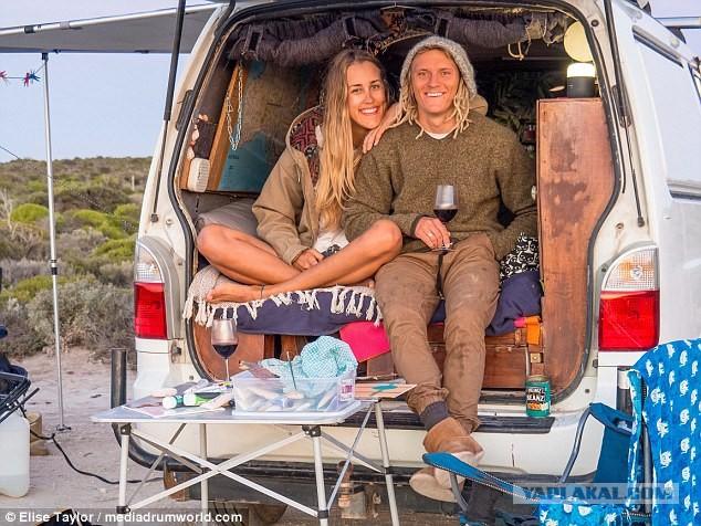 Послать все к черту ! Молодая пара из Австралии живет , путешевствуя в свое удовольствие .