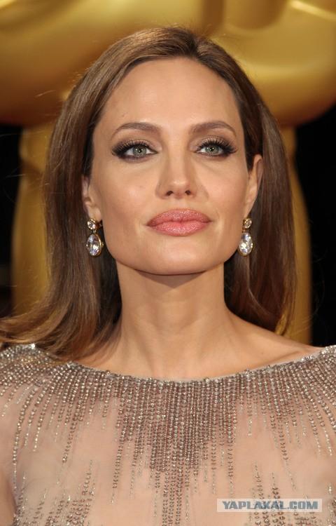 Новая операция Анджелины Джоли