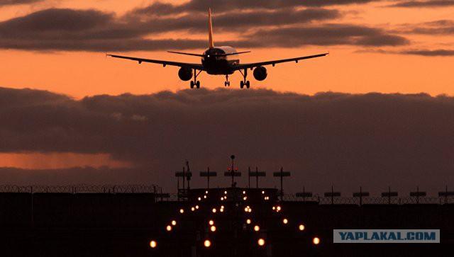 """Самолет """"Аэрофлота"""" стал единственным воздушным судном, которое смогло совершить посадку в аэропорту Пекина в условиях смога."""