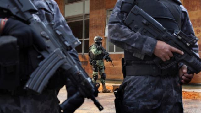 Компания Phantom Secure продавала перепрошитые BlackBerry и Android-смартфонов наркокартелям и преступникам