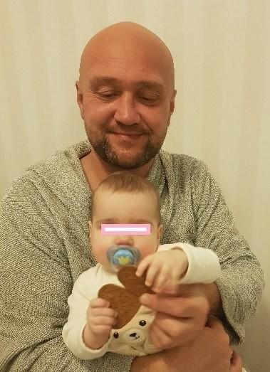 У россиянки в Швеции забрали годовалую дочь за обращение к врачам из России.