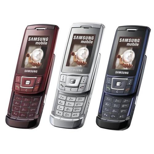Продам мобильный телефон самсунг d-900 i в хорошем состояни к нему зарядка