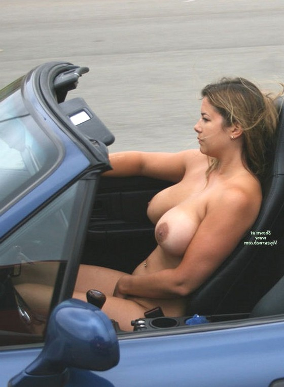 Обнаженные девушки и женщины за рулём фото 726-385