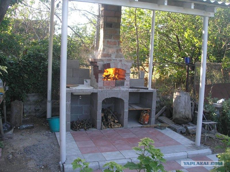 Печь с мангалом и барбекю дачная своими руками 79