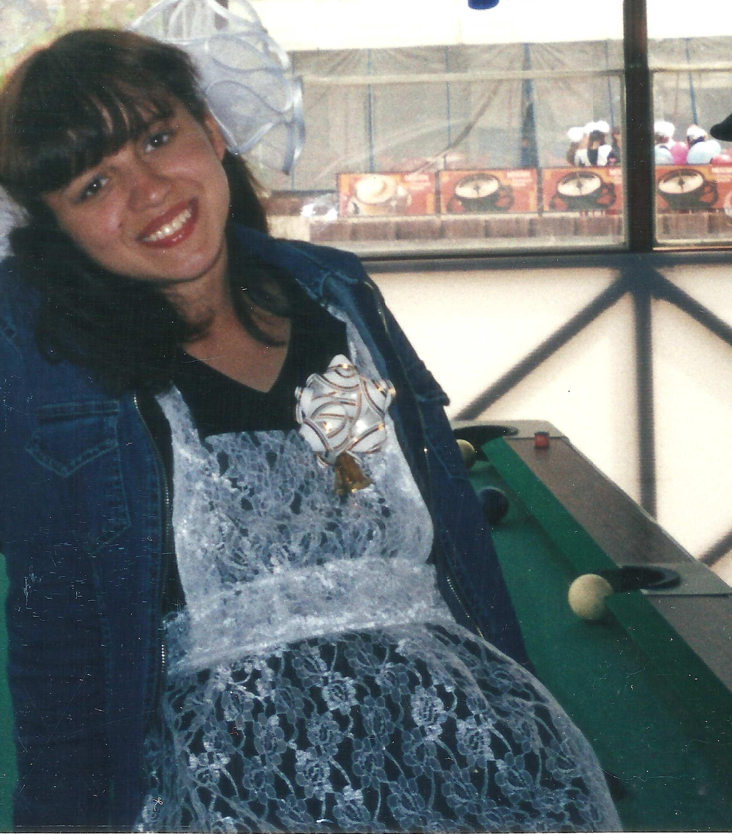 Рыженькая в униформе 12 фотография
