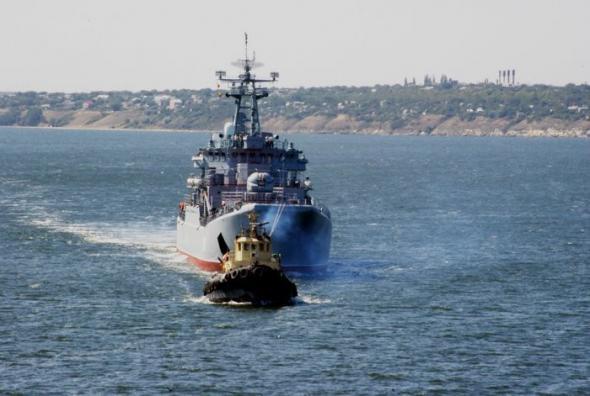 Боевой корабль ЧФ России потопил украинский буксир