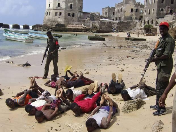 Чем живут сомалийские пираты