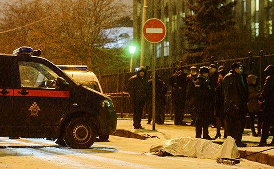 В центре Москвы из черного Infiniti расстреляли