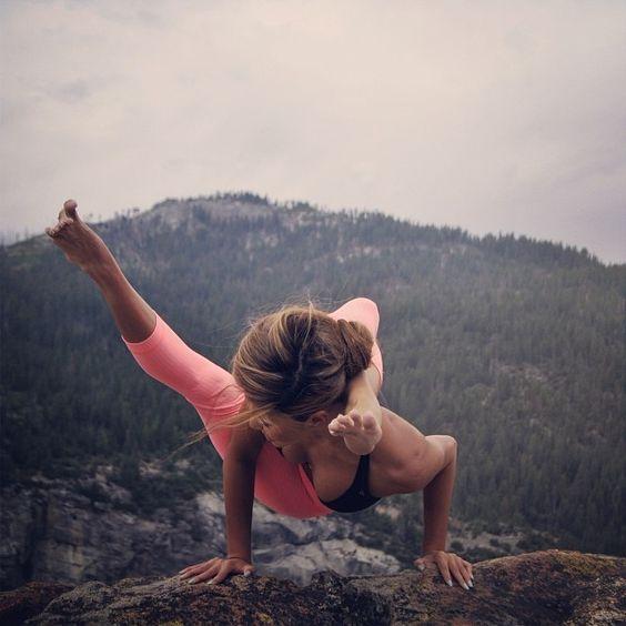 Девушки и йога