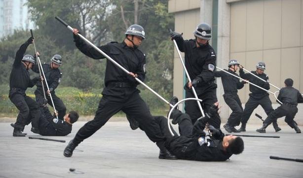 Китайская вилка. Новшества для борьбы с протестующими
