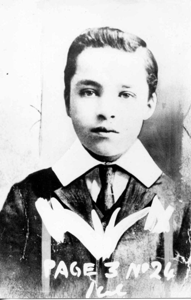 Редкие фото знаменитостей и исторические снимки, открывающие глаза на прошлое