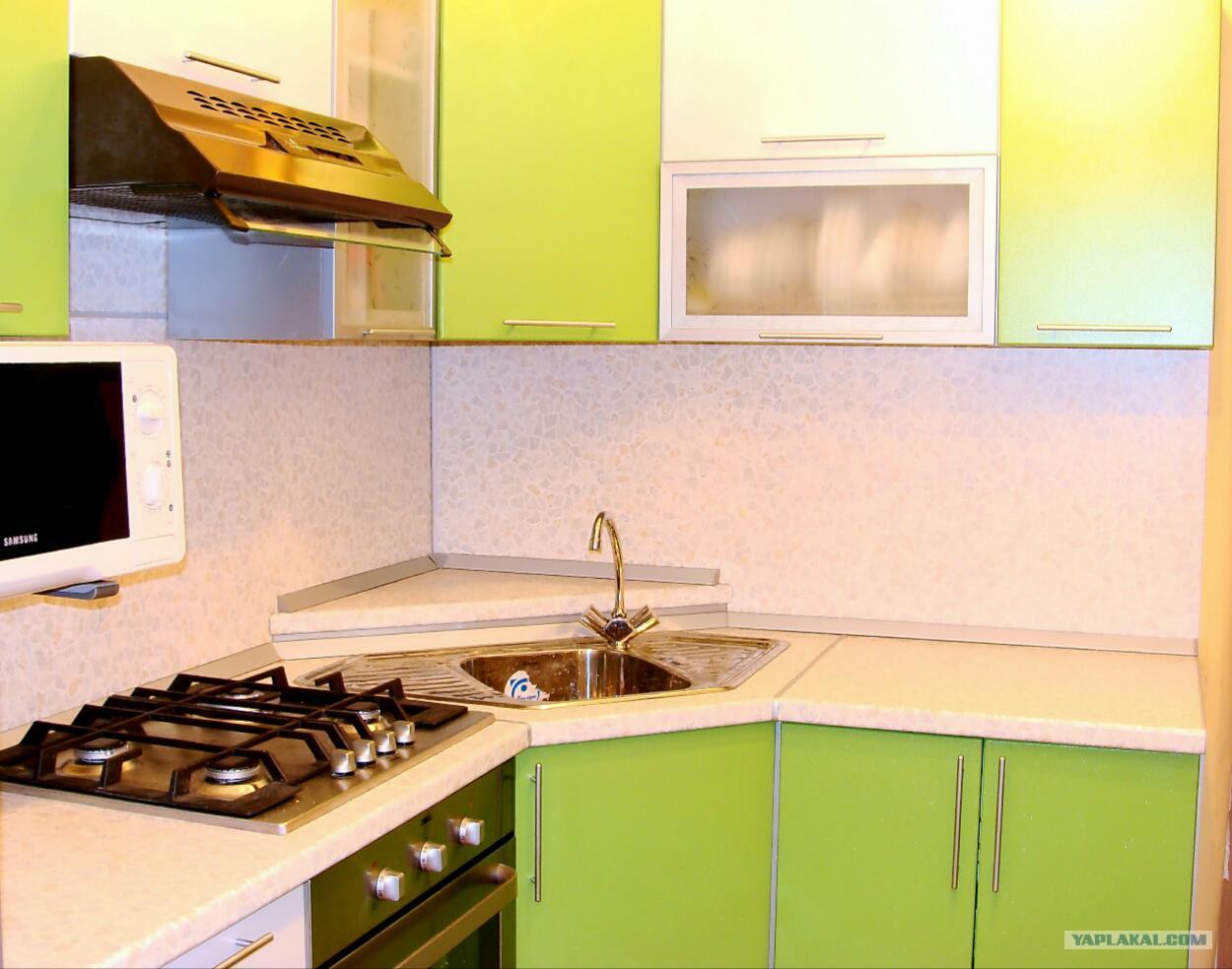 Дизайн кухни 6.7 кв.м с холодильником