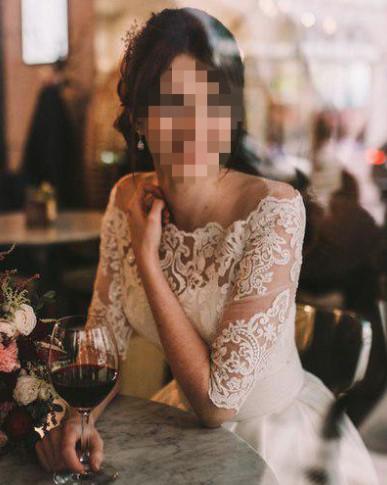 """Москвичка отправила """"сотрудникам банка"""" интимные фото для подтверждения личности"""