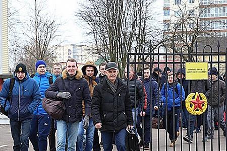 Россиян призовут из запаса для прохождения военных сборов в 2018 году