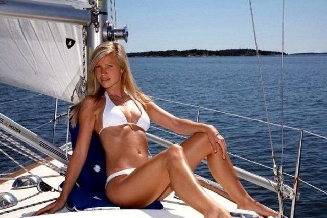 голая фотосессия на яхте