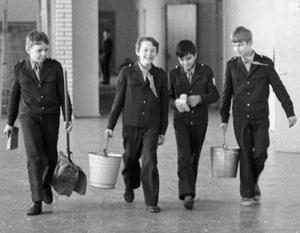 В Пермском крае учеников школы незаконно заставляли мыть полы