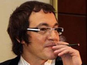 30 января мировые СМИ облетел снимок, на котором Леонардо Ди Каприо курит электронную 644