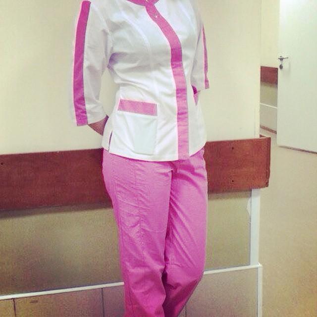 фото девушек в халате медик