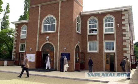 В Лондоне сгорела мечеть