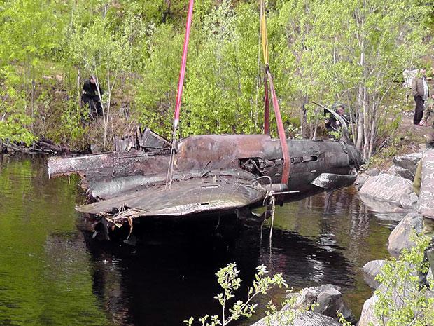 В Мурманской обл-ти из озера поднят штурмовик Ил-2