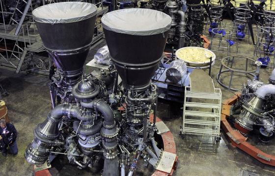 В России ответили Маску по поводу двигателей Raptor и РД-180