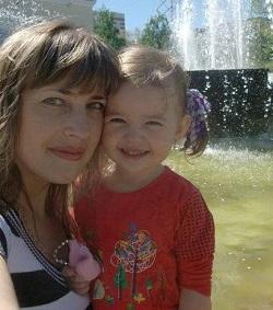 Экс-прокурор сбил женщину с ребенком и уехал.