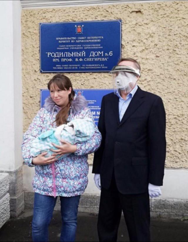 Губернатор Санкт-Петербурга Александр Беглов сегодня лично проинспектировал деятельность родильных отделений