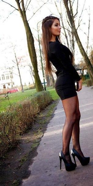 девушка в юбке фото и чулках