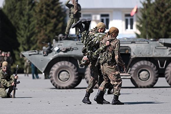 Прям какие-то 90-е. В Челябинской области банда вымогателей терроризировала военный городок