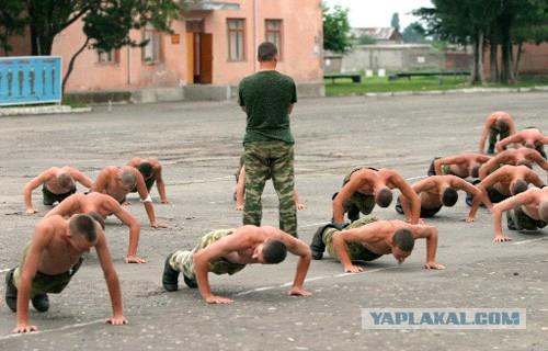 Порошенко причислил украинскую армию к сильнейшим