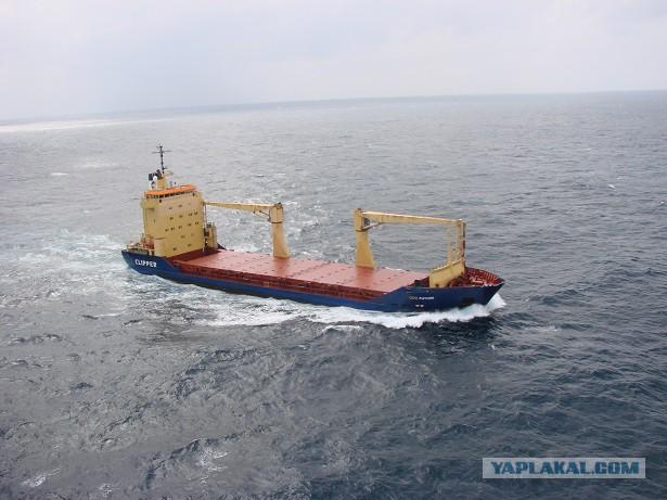 Около 2 миллионов долларов наличными за выкуп экипажа у пиратов, 2009 год