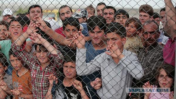 Тысячи беженцев движутся к границе Турции с европейскими странами