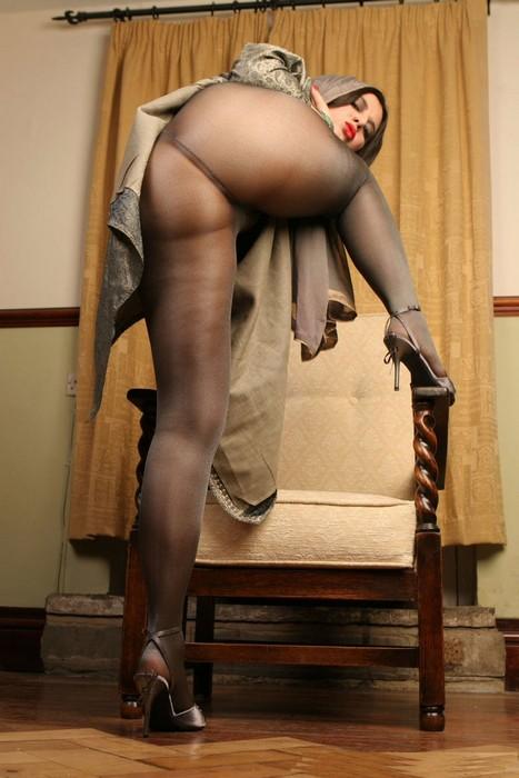 Фото ню женщины в колготках 70874 фотография