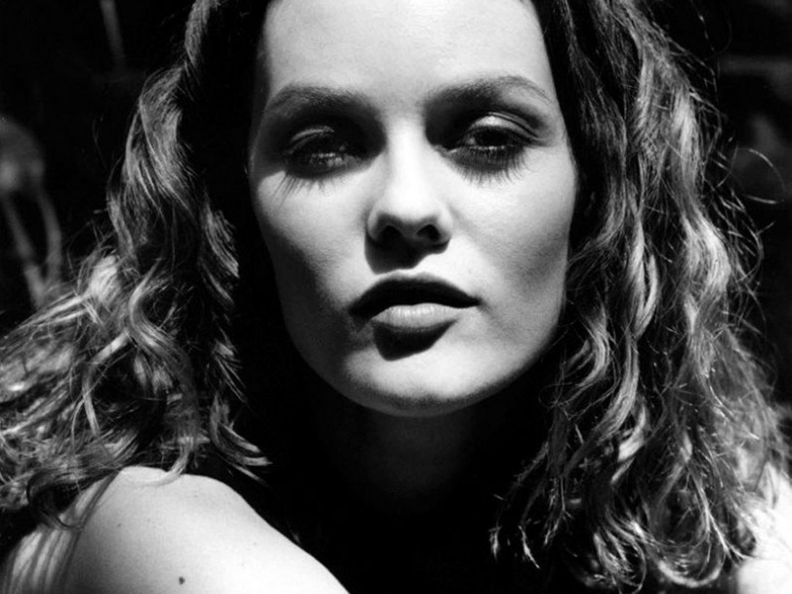 Кино эротика с мировыми актрисами фото 44-992