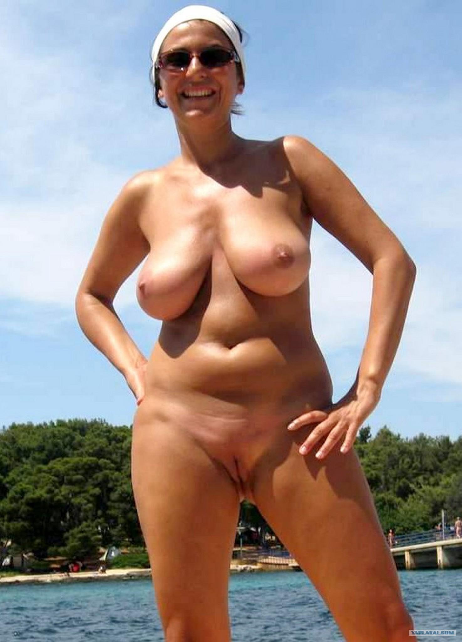 Голые зрелые нудистки